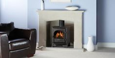 Gazco Gas Stockton 5 stove is sized between the small and medium Gas Stockton stoves.The Stockton 5 has the look of a multifuel stove but without the loading of logs. Electric Fires, Electric Stove, Log Burning Stoves, Multi Fuel Stove, Front Rooms, Wood Burner, Gas Stove, Decoration, New Homes