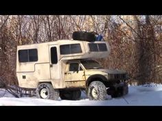 Toyota Sunrader Rc Camper Winter Off-road camping Off Road Camping, Winter Camping, Camping Life, Toyota Motorhome, Cool Rvs, Jeep Suv, Land Cruiser, Offroad, Recreational Vehicles