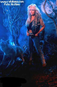 Doro Pesch entrevistada días antes de la reunión de WARLOCK en METALWAY   WWW.RAFABASA.COM - Noticias en español sobre el heavy metal y los grupos de heavy metal. Metal On Metal, Power Metal, Metal Girl, Chica Heavy Metal, Heavy Metal Music, Hair Metal Bands, Ladies Of Metal, Punk Women, Rocker Girl