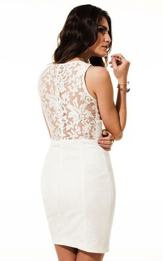 Lookbook Raizz Primavera-Verão 14 - Vestido de jacquard off-white  com decote e costas em  organza bordada