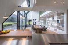 Modern Brick House, Modern Bungalow Exterior, Modern House Plans, Room Interior Colour, Home Interior Design, House Inside, Loft Style, Home Design Plans, Modern Architecture