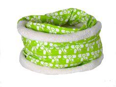 **_*So ein toller, kuscheliger Stoff :-)*_ ** Der Oberstoff ist ein Baumwolljersey, gefüttert mit Kuschelfleece aus Polyester. Diesen Loop wickeln Sie doppelt, so dass er den Hals gut vor Kälte schützt. http://de.dawanda.com/product/108499359-flauschiger-kuschel-loop-gefuettert-elefant