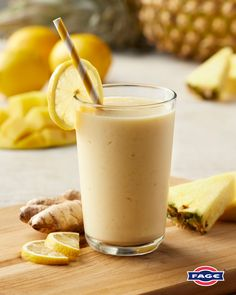 Green Tea Smoothie, Ginger Smoothie, Fruit Smoothie Recipes, Smoothie Drinks, Healthy Smoothies, Healthy Drinks, Healthy Snacks, Yummy Drinks, Yummy Food