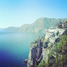 www.tritone.it www.lacaladellelampare.it Il ristorante del Tritone - Praiano - Amalfi Coast