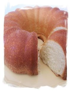 Looking for the perfect Paula Deen - Sour Cream Pound Cake recipe? Plus, we have experts on hand to answer questions as you cook. Cream Cheese Pound Cake, Sour Cream Cake, Dessert Simple, Paula Dean Pound Cake, Paula Deen Sour Cream Pound Cake Recipe, Pound Cake Recipes, Best Pound Cake Recipe Ever, Cake Tasting, Cake Flavors