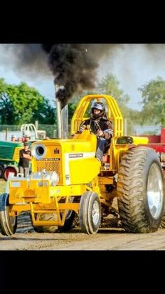 IH 1256 PRO STOCK Truck And Tractor Pull, Red Tractor, Case Tractors, Farmall Tractors, Traktor Pulling, Truck Pulls, Logging Equipment, Sand Rail, Classic Tractor