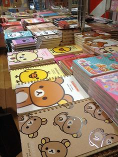 If you are in love with creative stationery, raise your hand! o / And back to school .If you are in love with creative stationery, raise your hand! // Back to School is the inspiration Kawaii Shop, Kawaii Cute, Kawaii Stuff, Kawaii Things, Rilakkuma, Too Cool For School, Back To School, Office Deco, Cool School Supplies