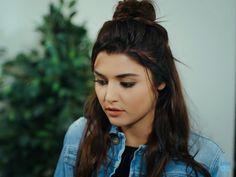 ❤Hayat❤ Beautiful Girl Image, Most Beautiful Women, Beautiful Celebrities, Beautiful Actresses, Hande Ercel, Turkish Beauty, Turkish Actors, Best Actress, Woman Crush