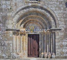 Portada románica de Santa María de Tomiño (Provincia de Pontevedra, Galicia). #romanico #galicia #tomiño #miño #pontevedra #romanesque #viaje #travel #medieval #architecture #arte #arquitectura #portadas