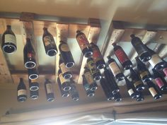 DIY wine rack with palettes! Industrial House, Rustic Industrial, Antique Chest, Ways To Recycle, Painted Sticks, Wine Storage, Diy Arts And Crafts, Window Coverings, Home Improvement Projects