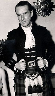 Ian Douglas Campbell The 11th Duke of Argyll  Read more: http://www.dailymail.co.uk/news/article-2530439/UNMASKED-After-50-years-reveal-true-identity-headless-man-sex-picture-Duchess-Argyll-scandalised-Sixties-society.html#ixzz2os4me1qc  Follow us: @MailOnline on Twitter | DailyMail on Facebook