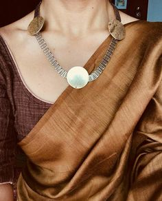 Amethyst And Silver Bracelet Code: 6322149342 Cotton Saree Blouse, Saree Blouse Patterns, Saree Blouse Designs, Sari Blouse, Dress Designs, Indian Attire, Indian Outfits, Indian Wear, Indian Clothes