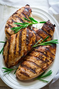 Never eat dry flavorless chicken again. With my Wine Brined Grilled Chicken recipe boneless skinless chicken breasts magically become super flavorful and juicy! Grilling Recipes, Cooking Recipes, Healthy Recipes, Healthy Chicken, Grilled Chicken, Chicken Brine, Turkey Recipes, Chicken Recipes, Clean Eating