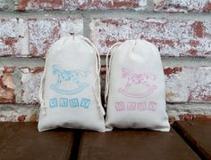 This listing is for a set of (10) Rocking Horse 4x6 inch, Hand Stamped, 100% cotton muslin favor bags. These bags are great for Baby Showers, Birth Announcements, Christenings or Gender Reveals and are the perfect size to fill with all kinds of goodies and treats for your guests to enjoy. The bags are pictured are stamped in your choice or pink or blue ink. ❥❥ Listing is for bags only other items in pictures are not included.  ❥❥ LARGER OR SMALLER ORDERS  If you need more or less than 10…