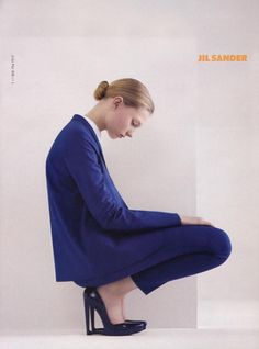 Campaign: Jil Sander Season: Spring 2007 Photographer: Willy Vanderperre Model(s): Johanna Stickland, Johanna Jonsson Jil Sander, Style Bleu, Mode Lookbook, Foto Fashion, Fashion Advertising, Fashion Poses, Androgynous, Minimalist Fashion, Editorial Fashion