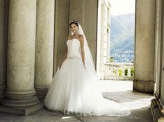 Prachtige bruidsjapon in tule van Lilly