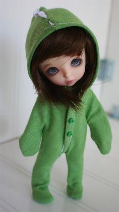 LATI YELLOW/PUKIFEE sized green DINO suit x. $12.00, via Etsy.