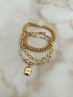 Stylish Jewelry, Cute Jewelry, Fashion Jewelry, Bracelet Love, Gold Link Bracelet, Chain Bracelets, Gold Bracelets, Link Bracelets, Jóias Body Chains