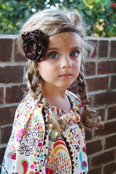 I love the look of these Boho Flower Headbands with the peasant dress!