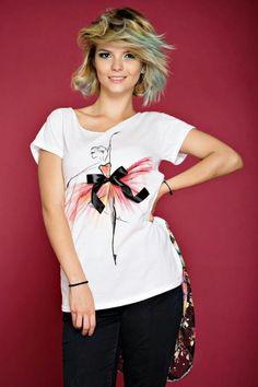 T Shirt Diy, Dye T Shirt, Paint Shirts, Diy Fashion, Fashion Outfits, T Shirt Painting, Painted Clothes, Diy Clothing, Shirt Designs