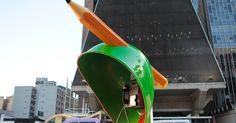 """""""Call Parade"""" transforma 100 telefones públicos em obras de arte em SP"""