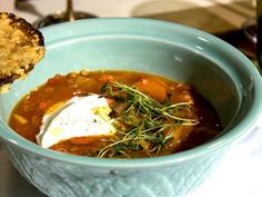 Spanish stew with chorizo - Halv åtta hos mig Spanish Stew, Chili, Toast, Soup, Dinner, Ethnic Recipes, Dining, Chili Powder