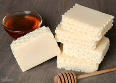 Honey Cold Process Soap Tutorial. This recipe contains real honey, and uses bubble wrap for the honeycomb texture.