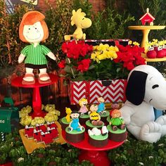 Festa Snnopy!! Snoopy Birthday, Snoopy Party, Happy Birthday, Bolo Snoopy, Snoopy Cake, Cupcake Birthday Cake, Cupcake Party, Peanuts Cartoon, Charlie Brown And Snoopy
