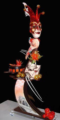 US-Pastetenwettbewerb Pulled Sugar Sculpture Ebow - - Chocolates, Pulled Sugar Art, Chocolate Showpiece, Chocolate Work, Sugar Candy, Sugar Sugar, Grand Chef, Creative Food Art, Food Sculpture