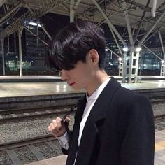 asian, boy, and ulzzang image Korean Boys Ulzzang, Ulzzang Couple, Ulzzang Boy, Korean Men, Cute Korean, Cute Asian Guys, Asian Boys, Asian Men, Cute Guys