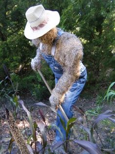 Awesome scarecrow! He looks like my grandpa. lol.