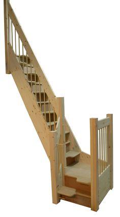 Space-saving alternating tread staircase
