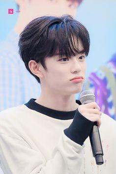 #Kangmin #강민 #유강민 #베리베리 #VERIVERY #Kpop #underrated Jellyfish Entertainment, Cha Eun Woo, Show, Kpop Boy, South Korean Boy Band, Cute Boys, Boy Bands, Boy Groups, Peeps