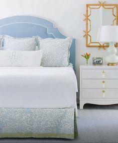 Pretty bedroom with oomph. Pretty Bedroom, Blue Bedroom, Bedroom Colors, Dream Bedroom, Bedroom Decor, Cozy Bedroom, Bedroom Ideas, Interior Design Inspiration, Home Interior Design