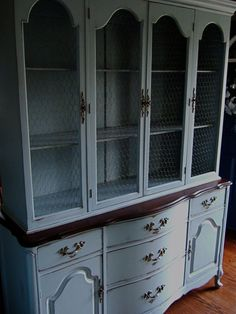 french country hutch...reminds me of my gmother's