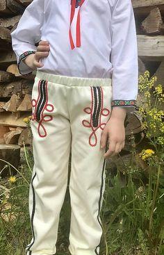 Detský chlapčenský kroj 2 Plus 8, Khaki Pants, Lifestyle, Fashion, Khakis, Moda, La Mode, Khaki Shorts, Fasion
