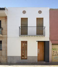 Ricart House Patio in Benimaclet, Spain   Fotógrafa de Arquitectura