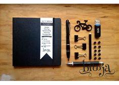 ::Sketchbook Pizarra:: Formato 15x15cm, Papel bond ahuesado 90 gr Pasta blanda papel kraft, tamaño pasaporte. ¡Puedes pintar en sus portadas con gises! Adquiere los tuyos en https://www.kichink.com/stores/brooja #brooja #sketchbook #notebook #kraft #libreta #cuaderno #illustration #ilustración #sharpie #handmade #onlineshopping #kichink #mexico #chalk #chalkboard #gis