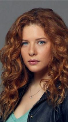 Rachelle Lefevre Stunning Redhead, Beautiful Red Hair, Gorgeous Redhead, Beautiful Eyes, Pretty Hair, Actresses With Brown Hair, Red Haired Actresses, Brunette Actresses, Red Hair Freckles