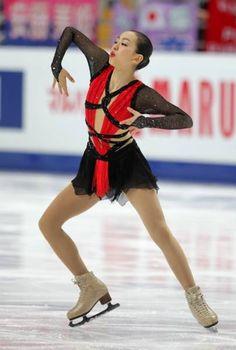 世界フィギュア選手権で連覇を目指す浅田真央は初日のショートプログラム(SP)で小さなミスがあり、7位と不本意なスタート…
