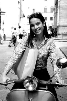 There's nothing sexier than a woman who knows how to twist & shift!   #Vespa #VespaClubVolos