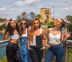 Find images and videos about girls, little mix and perrie edwards on We Heart It - the app to get lost in what you love. Little Mix Outfits, Little Mix Girls, Little Mix Style, Classy Outfits, Jesy Nelson, Perrie Edwards, Dvb Dresden, Bffs, Meninas Do Little Mix