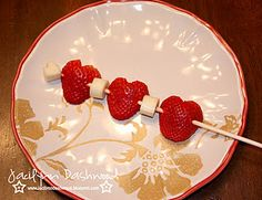 healthy Valentine snack - use bananas or marshmallows