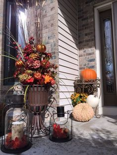 100 Cozy & Rustic Fall Front Porch decor ideas to feel the yawning autumn noon winds & watch the ember red leaves burn out slowly - Hike n Dip Fall Entryway Decor, Fall Yard Decor, Rustic Fall Decor, Fall Home Decor, Fall Wagon Decor, Flying Owl, Halloween Porch Decorations, Halloween Pillows, Rustic Lanterns