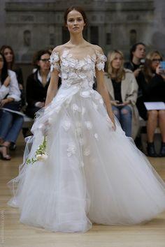 TOP 10 vestidos de novia off the shoulder | Blog de Webnovias      http://www.webnovias.com/blog/top-10-vestidos-de-novia-off-the-shoulder/