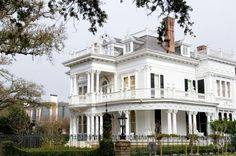interiors of New Orleans Garden District Homes | New Orleans Beyond Bourbon Street | Viator Travel Blog