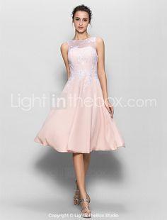 Lanting Bride® Knee-length Chiffon / Lace Bridesmaid Dress A-line Scoop with Lace 2016 - $125.09