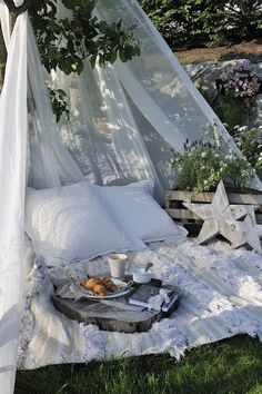 Outdoor White Resting & Reading Nook