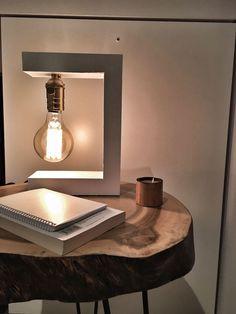 Lámpara de diseño Helsinki white edition, realizada en madera 100% handmade, ideal para cualquier espacio y tipo de decoración, industrial, rústico, moderno...