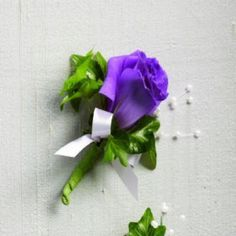Purple Lisanthus with green  Boutonniere